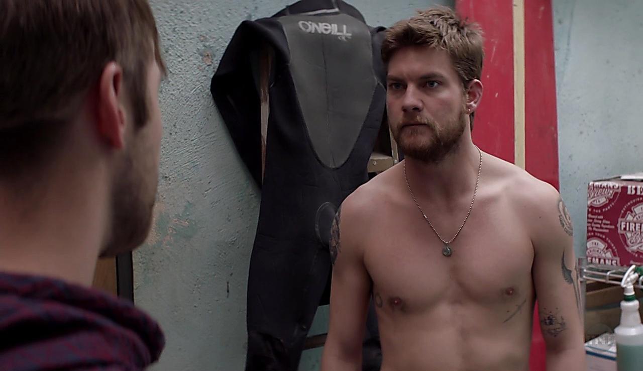 Jake Weary sexy shirtless scene June 6, 2018, 9am