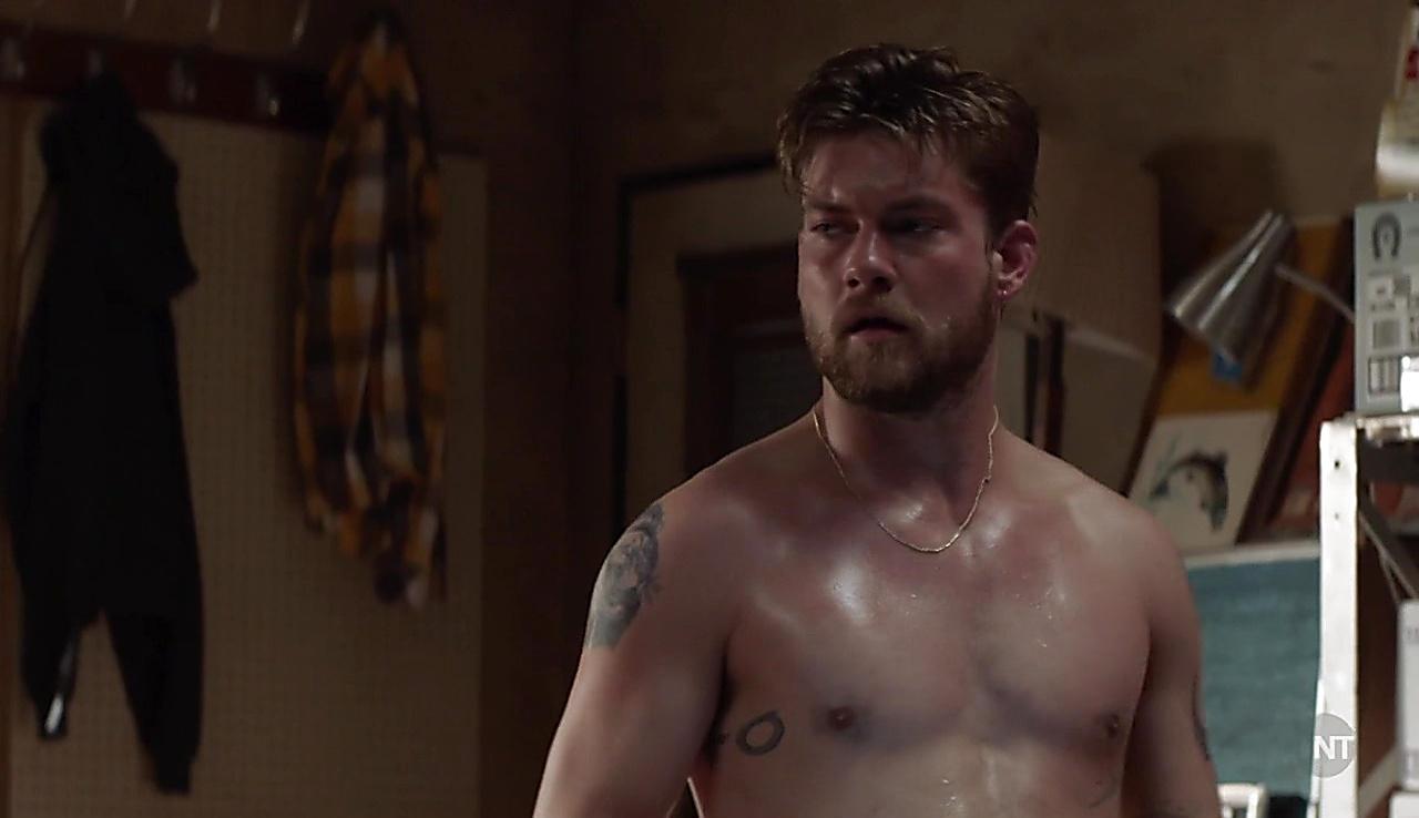 Jake Weary sexy shirtless scene July 27, 2018, 12pm