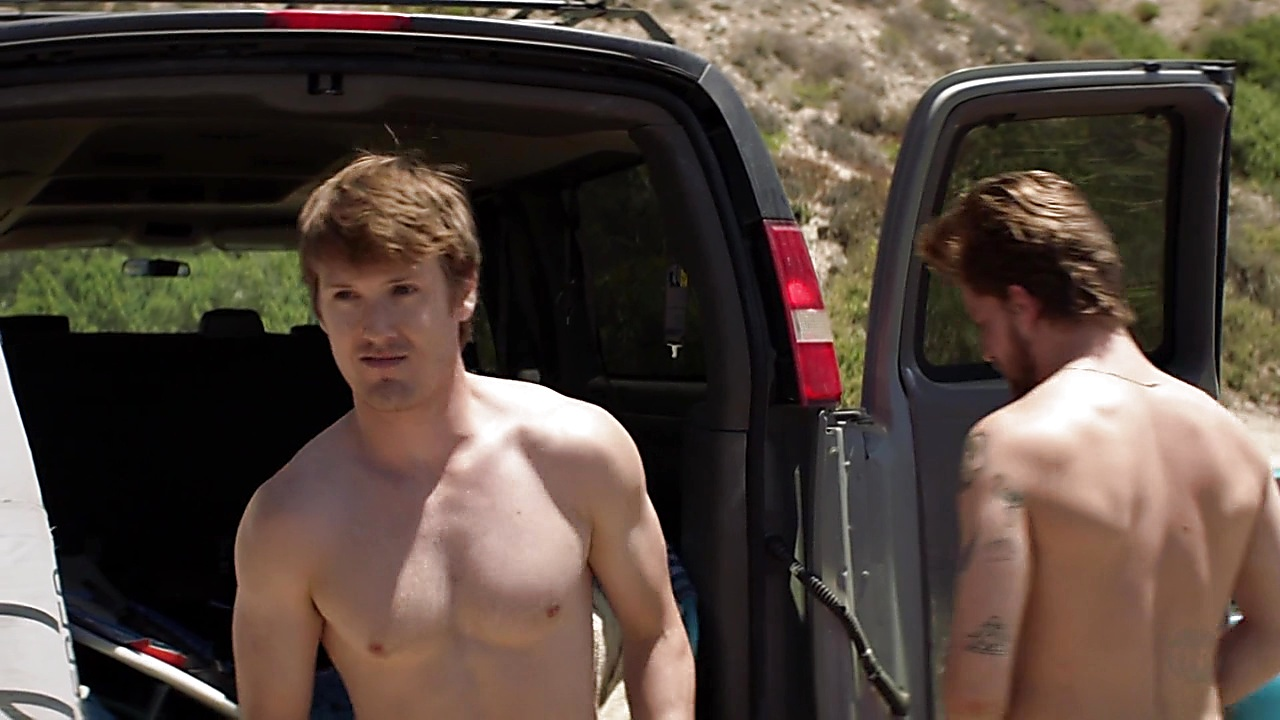 Jake Weary sexy shirtless scene August 25, 2018, 12pm