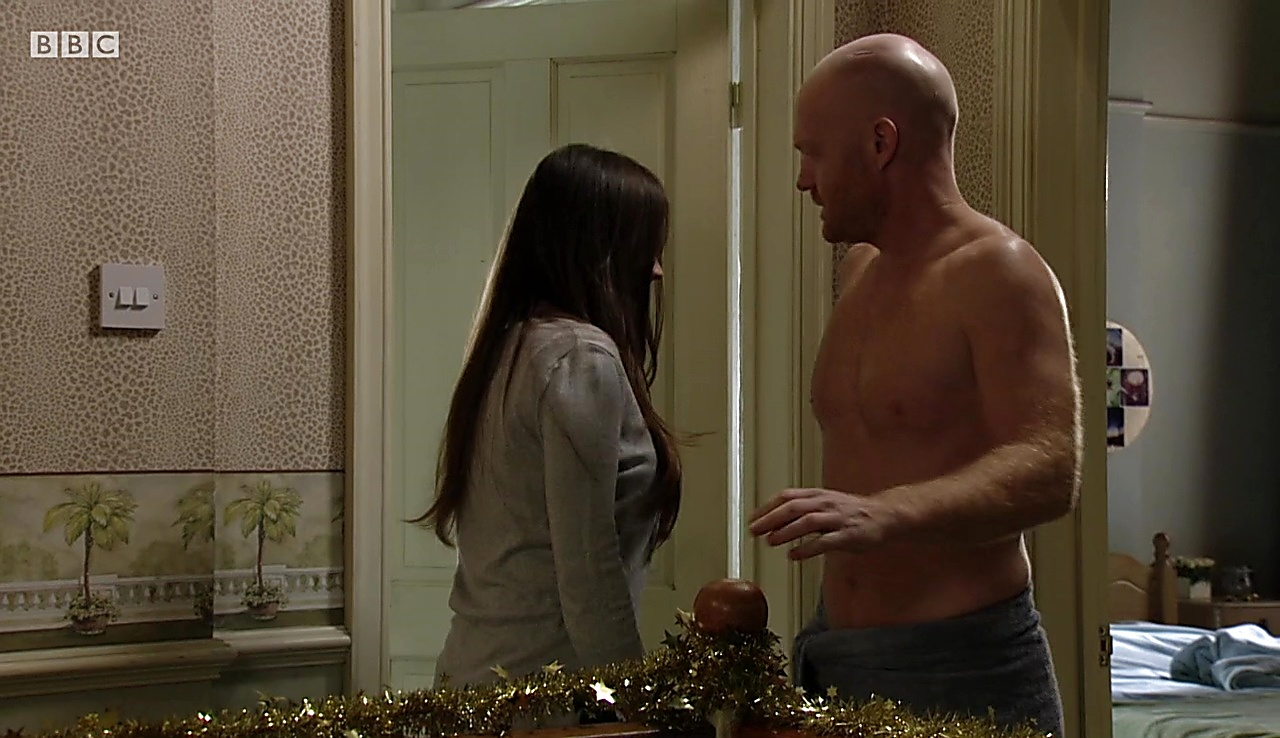 Jake Wood sexy shirtless scene December 27, 2017, 1pm