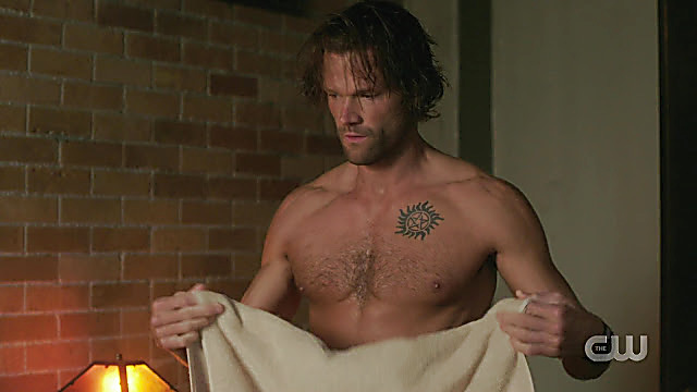 Jared Padalecki sexy shirtless scene November 22, 2020, 4am