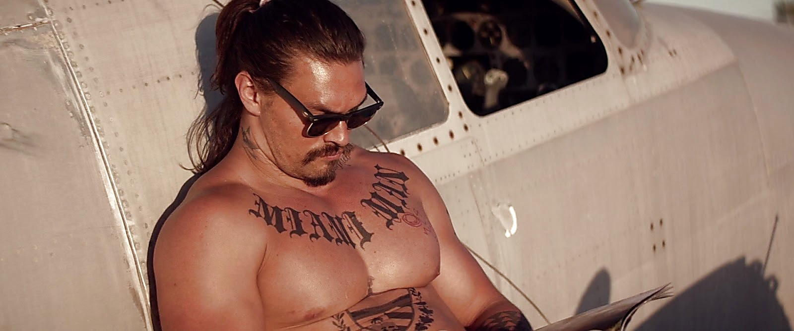 Jason Momoa The Bad Batch 2017 06 23 6jpg