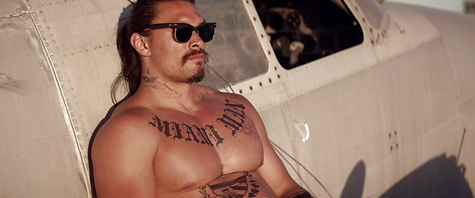 Jason Momoa The Bad Batch 2017 06 23 7jpg