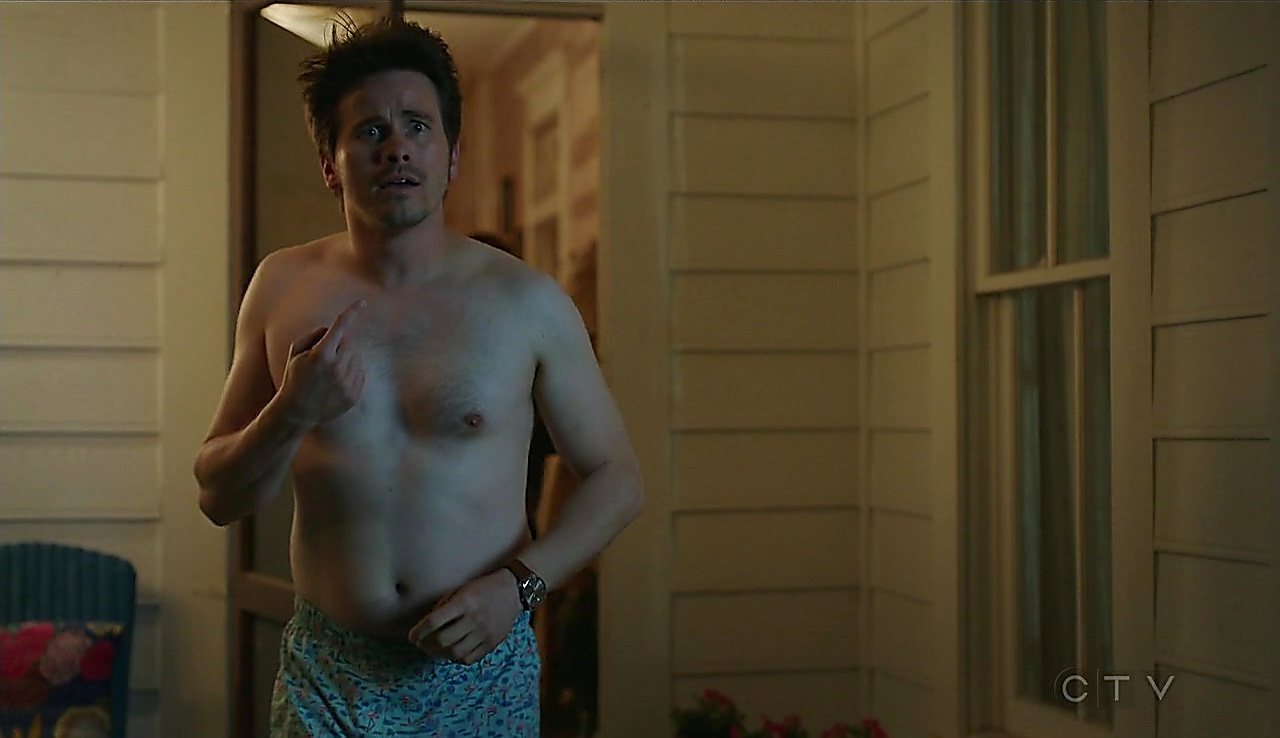 Jason Ritter sexy shirtless scene October 4, 2017, 12pm