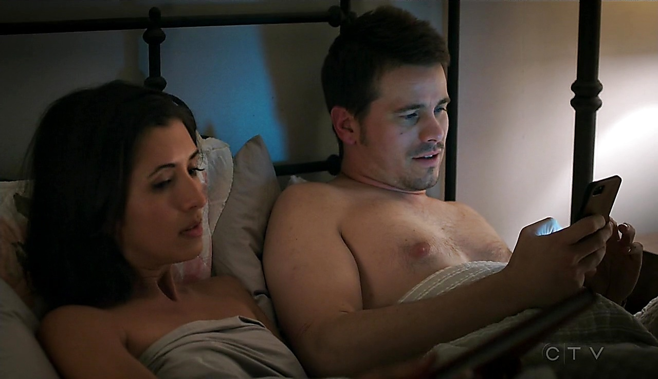 Jason Ritter sexy shirtless scene October 11, 2017, 1pm