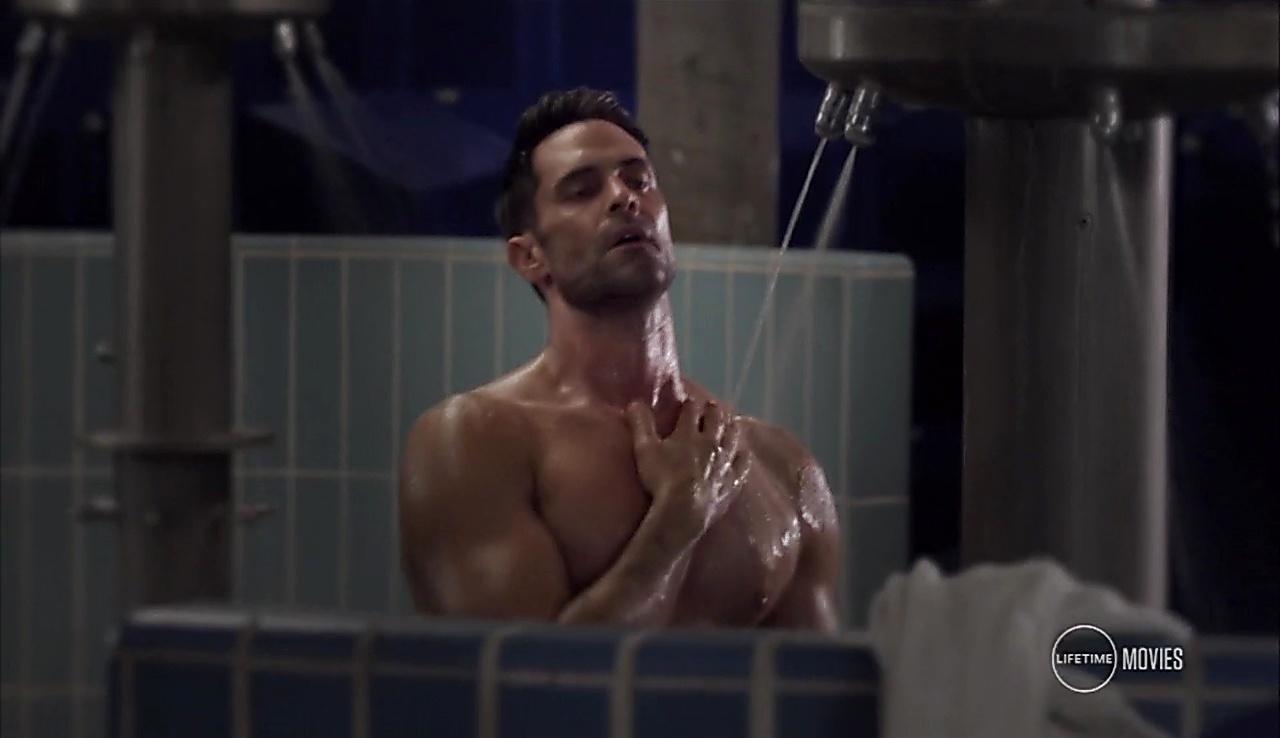 Jason Shane Scott sexy shirtless scene September 3, 2017, 9am