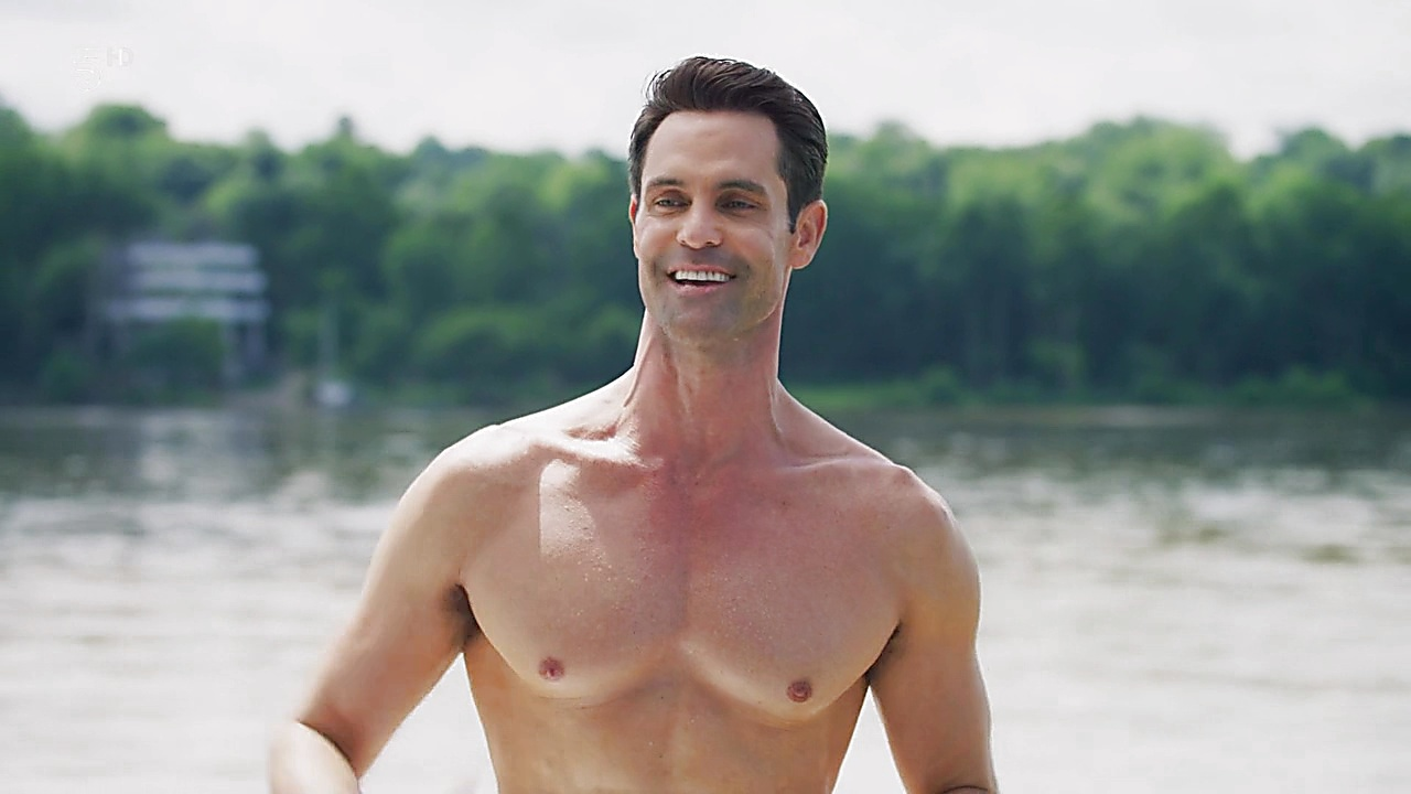 Jason Shane Scott sexy shirtless scene August 10, 2019, 1pm