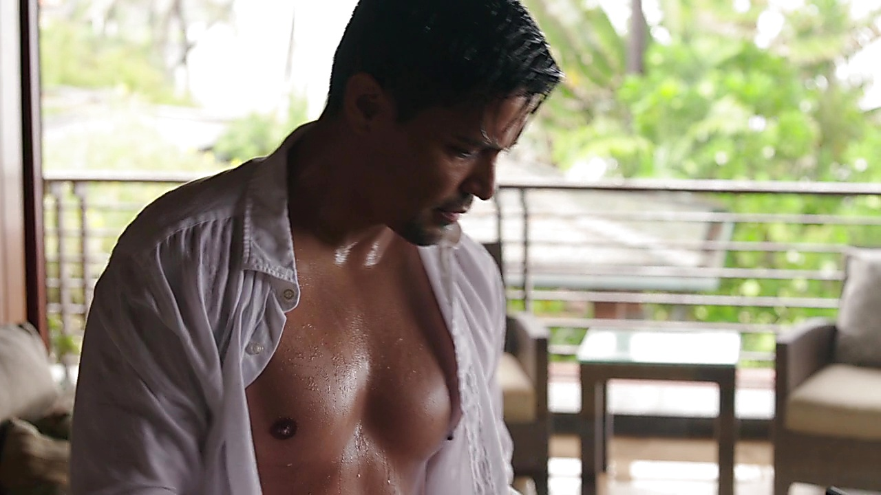 Jay Hernandez sexy shirtless scene September 25, 2018, 10am