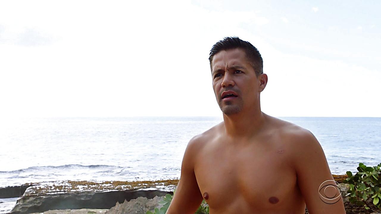 Jay Hernandez sexy shirtless scene March 26, 2019, 11am