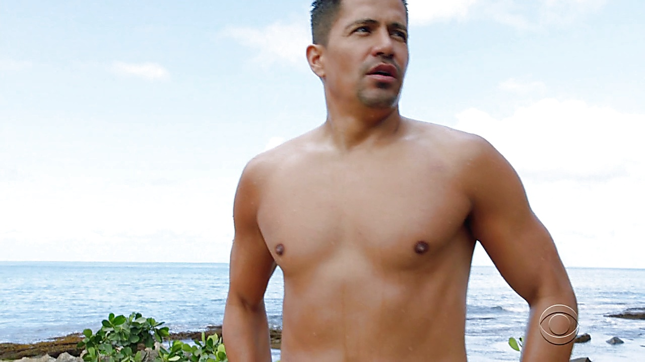 Jay Hernandez sexy shirtless scene March 26, 2019, 11am