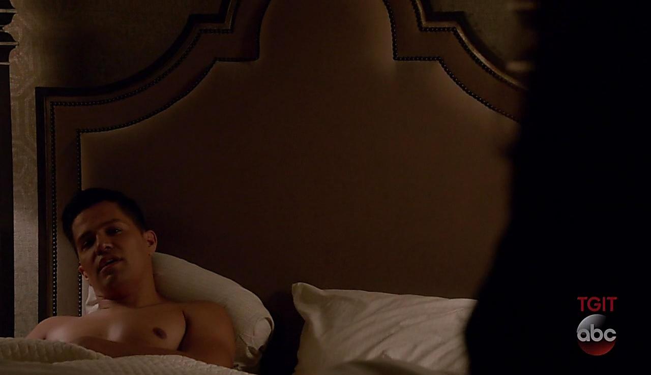 Jay Hernandez sexy shirtless scene November 3, 2017, 4pm
