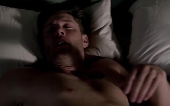Jensen Ackles sexy shirtless scene November 28, 2014, 2pm