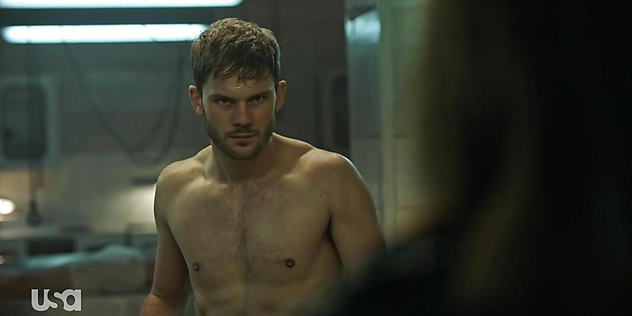 Jeremy Irvine sexy shirtless scene October 20, 2019, 3pm