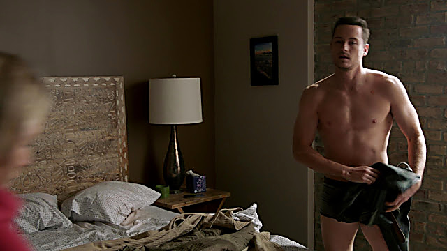 Jesse Lee sexy shirtless scene January 31, 2021, 6am