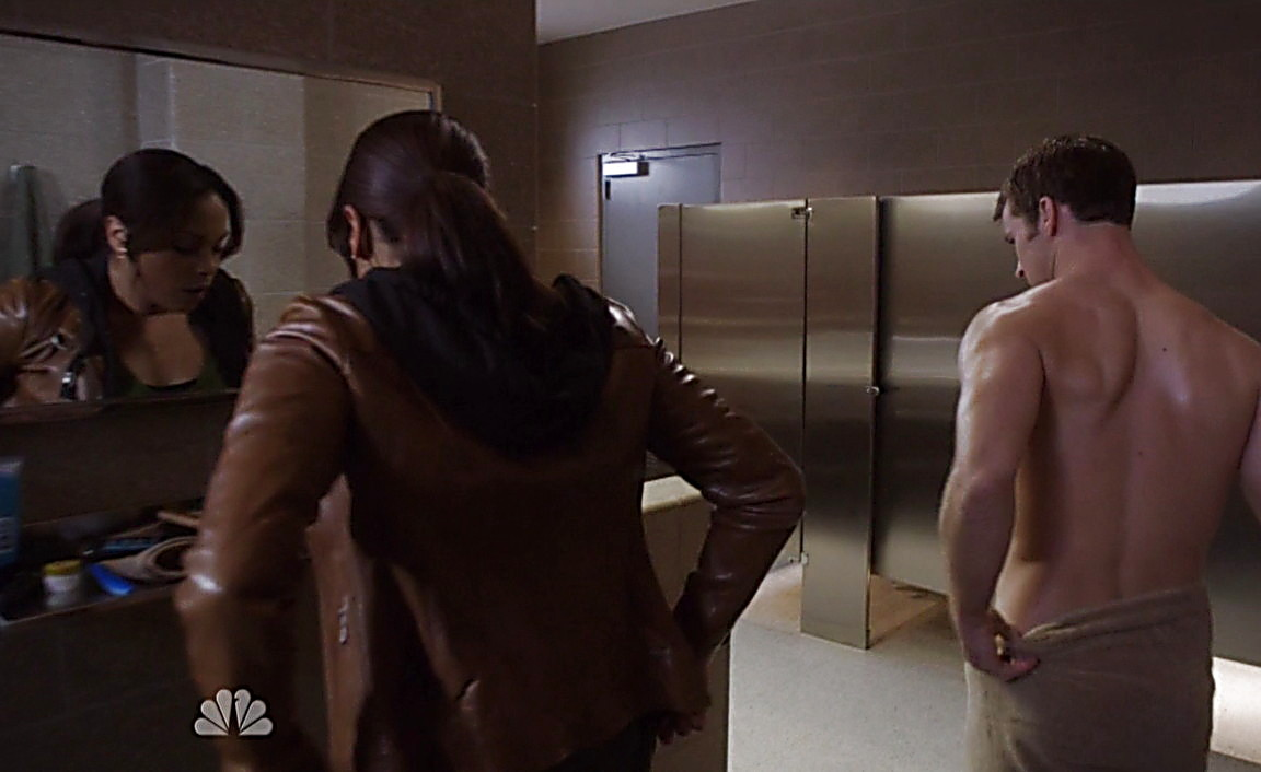 Jesse Spencer sexy shirtless scene May 15, 2014, 5pm