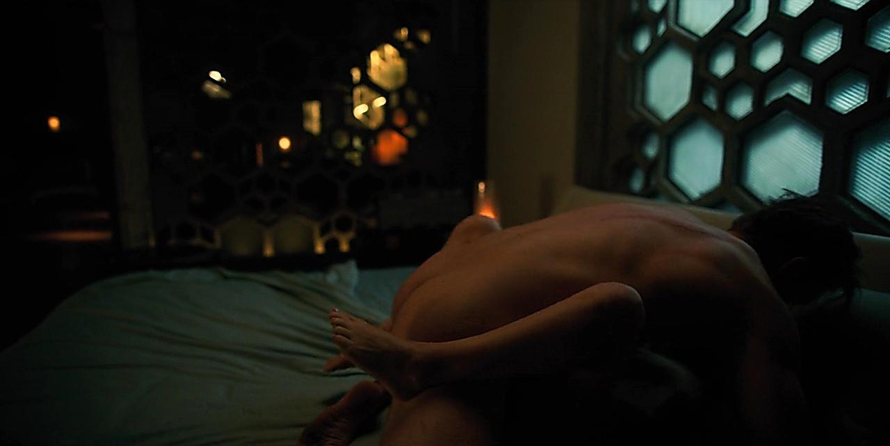 Joel Kinnaman sexy shirtless scene February 4, 2018, 9am