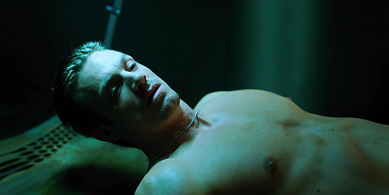 Joel Kinnaman latest sexy shirtless scene February 5, 2018, 1pm