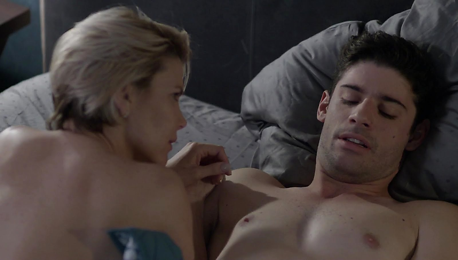 Jonathan Freudman latest sexy shirtless scene June 12, 2018, 1am