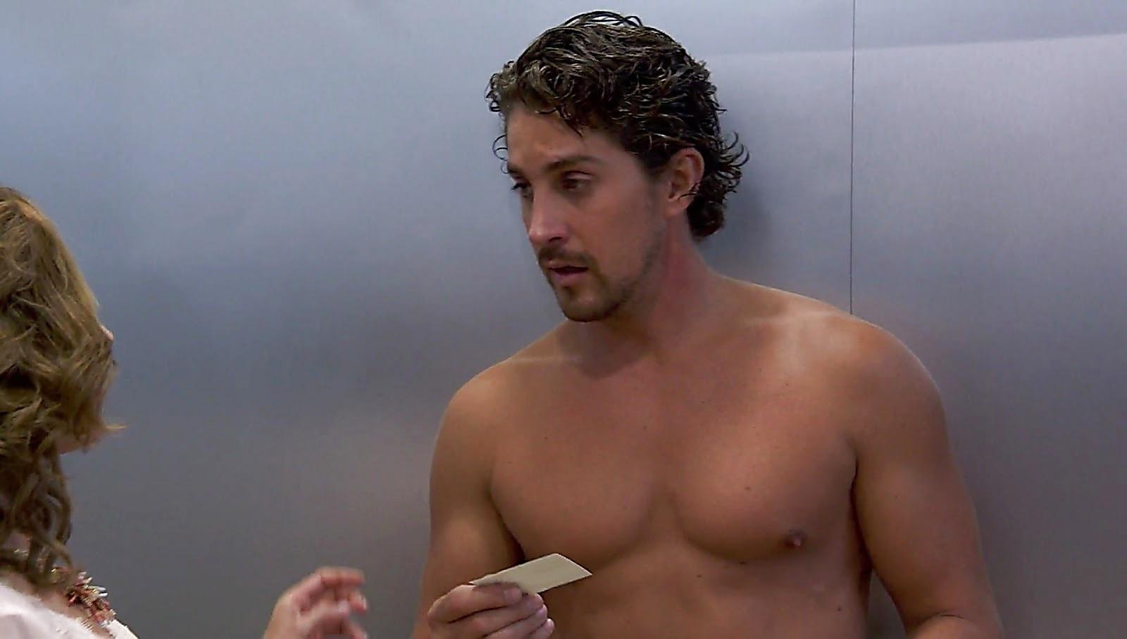 Jonathan Islas sexy shirtless scene February 5, 2017, 11am