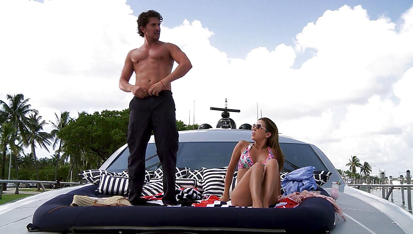Jonathan Islas sexy shirtless scene April 6, 2017, 12pm
