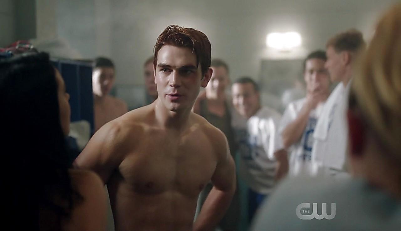 Jordan Calloway sexy shirtless scene February 13, 2017, 1pm