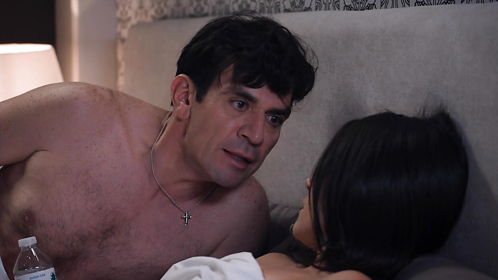 Jorge Salinas sexy shirtless scene July 7, 2020, 12pm
