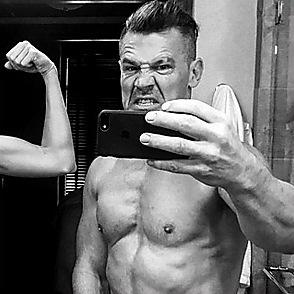 Josh Brolin latest sexy shirtless July 28, 2017, 12pm