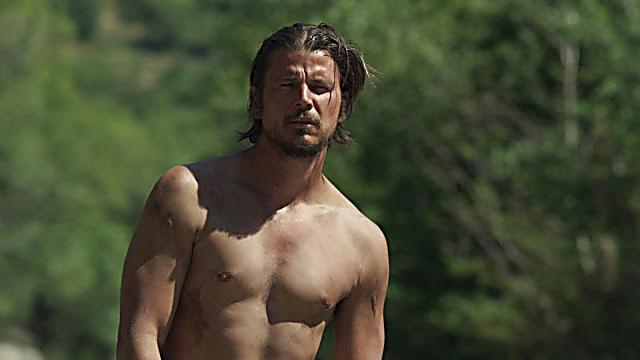 Josh Hartnett sexy shirtless scene April 10, 2021, 1pm