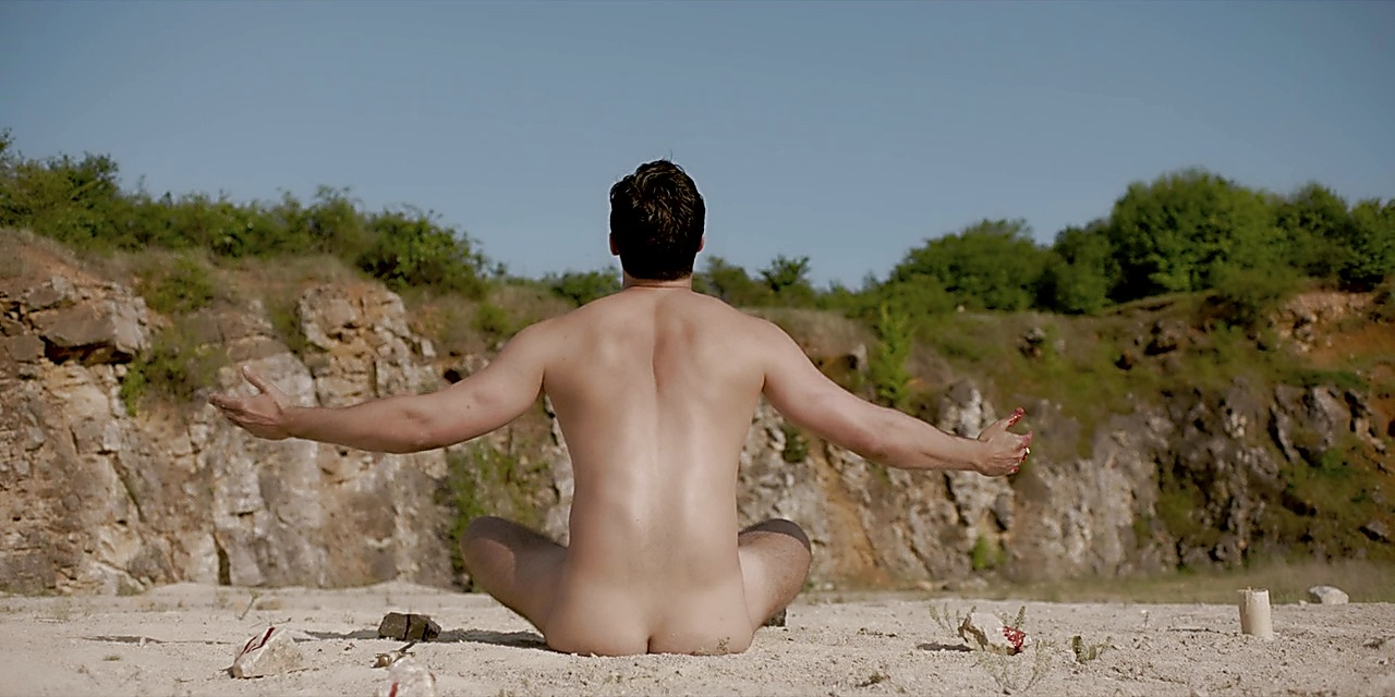 Joshua Bowman sexy shirtless scene October 20, 2018, 12pm