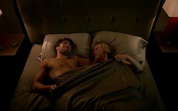 Joshua Bowman sexy shirtless scene October 27, 2014, 12pm