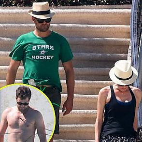 Joshua Jackson latest sexy shirtless August 23, 2015, 6pm
