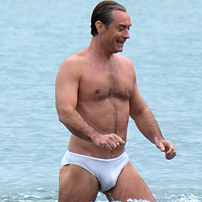 Jude Law latest sexy shirtless April 9, 2019, 5pm