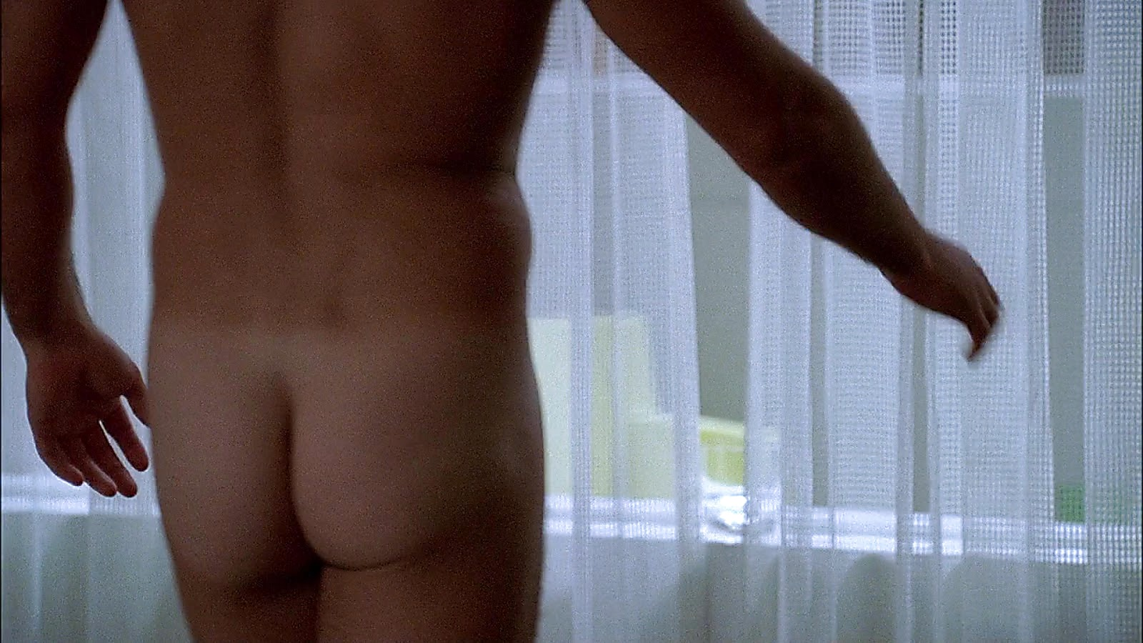 Julian Mcmahon sexy shirtless scene April 18, 2020, 1pm
