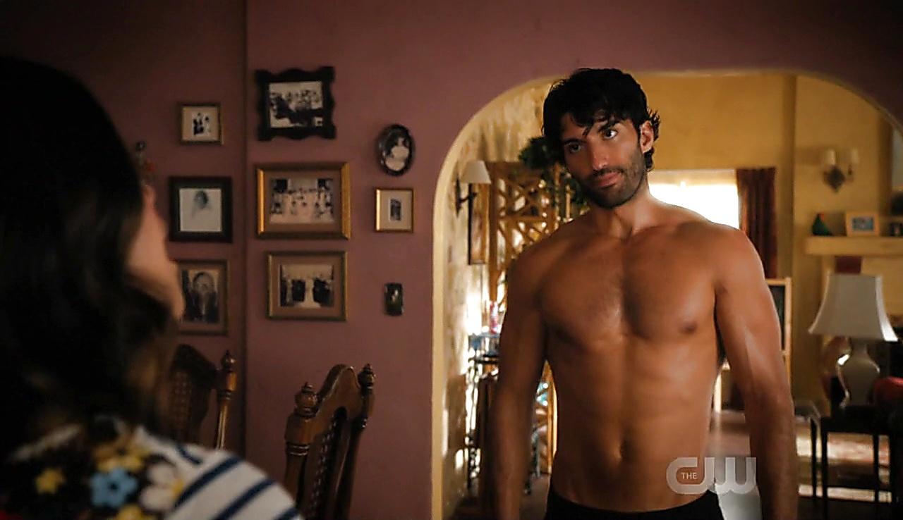 Justin Baldoni sexy shirtless scene October 14, 2017, 1pm