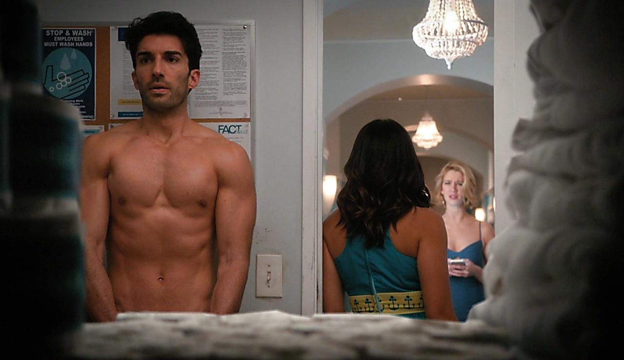 Justin Baldoni sexy shirtless scene March 7, 2018, 12pm