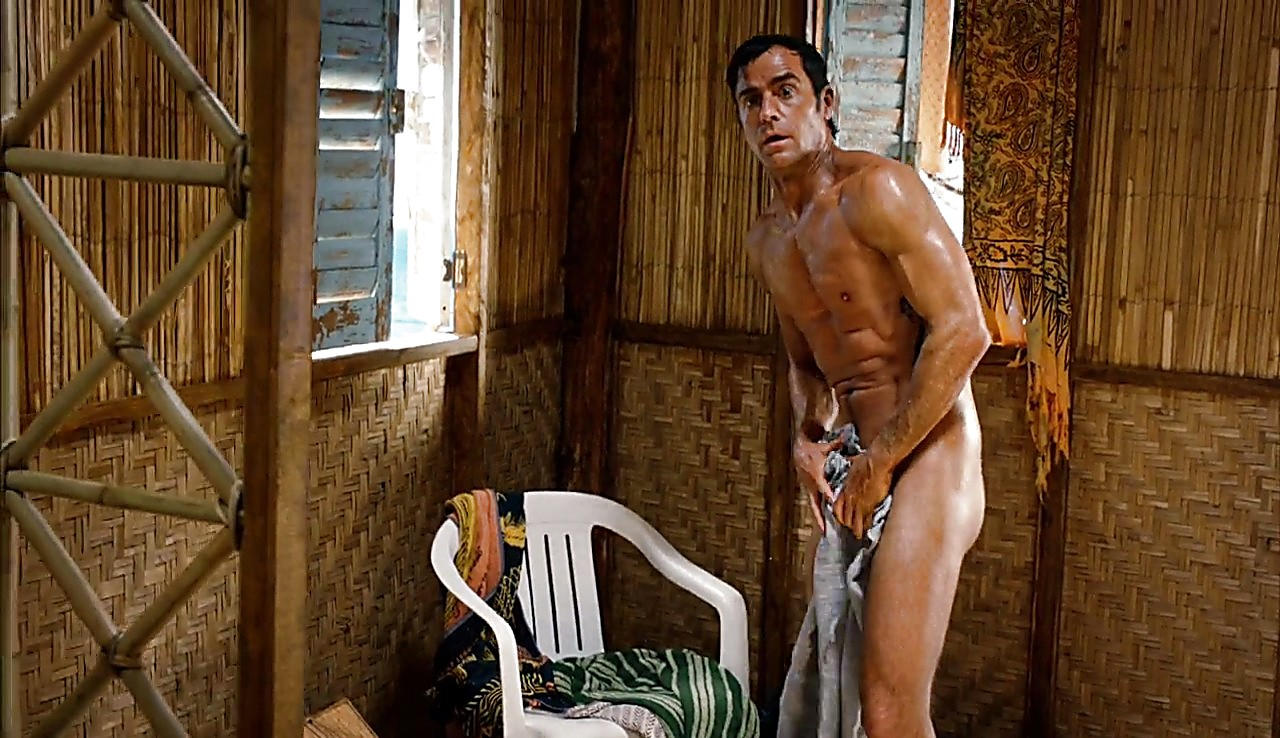 Justin Theroux sexy shirtless scene May 29, 2017, 5am