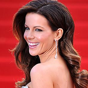 Kate Beckinsale latest sexy shirtless February 23, 2020, 4pm