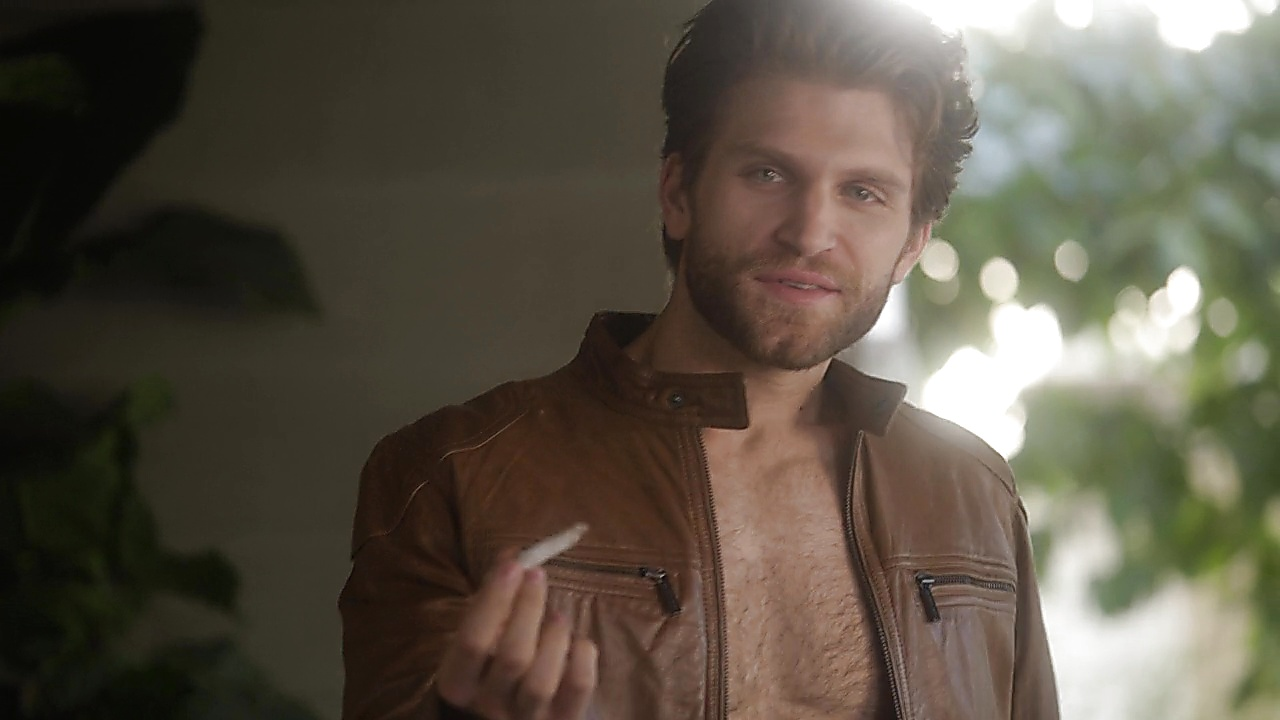 Keegan Allen sexy shirtless scene May 25, 2019, 12pm
