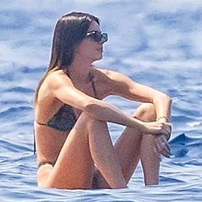 Kendall Jenner latest sexy shirtless August 25, 2021, 7pm