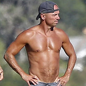 Kenny Chesney Shirtless 2015 October 23 2015
