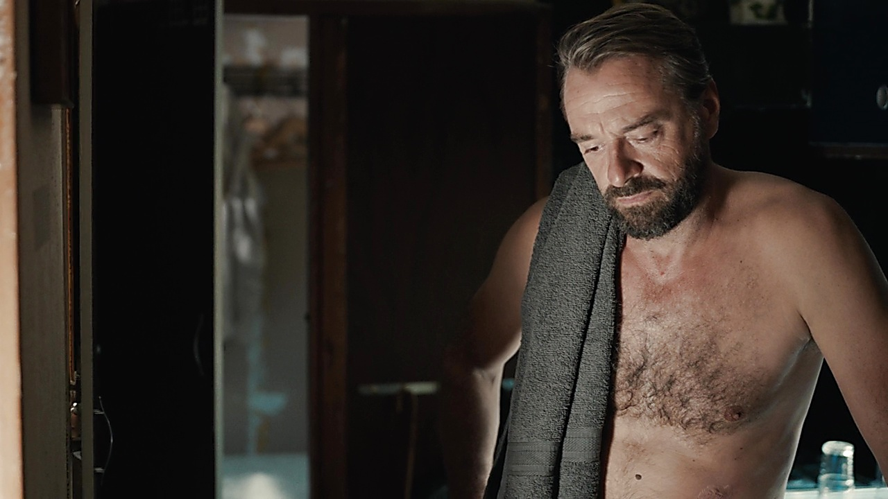 Kevin Janssens sexy shirtless scene May 4, 2019, 9am