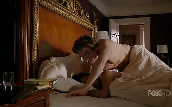 Kevin Zegers sexy shirtless scene November 10, 2014, 8pm