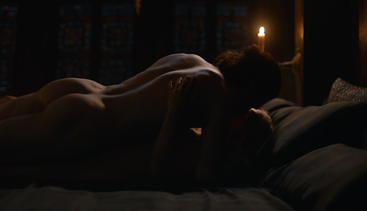 Kit Harington sexy shirtless scene August 28, 2017, 3am