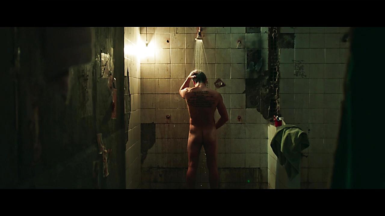 Klebber Toledo sexy shirtless scene January 26, 2020, 1pm