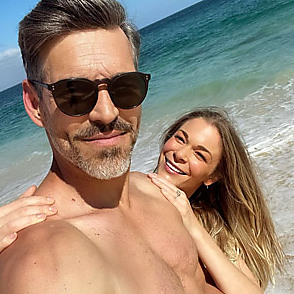 Leann Rimes latest sexy shirtless May 4, 2021, 2am