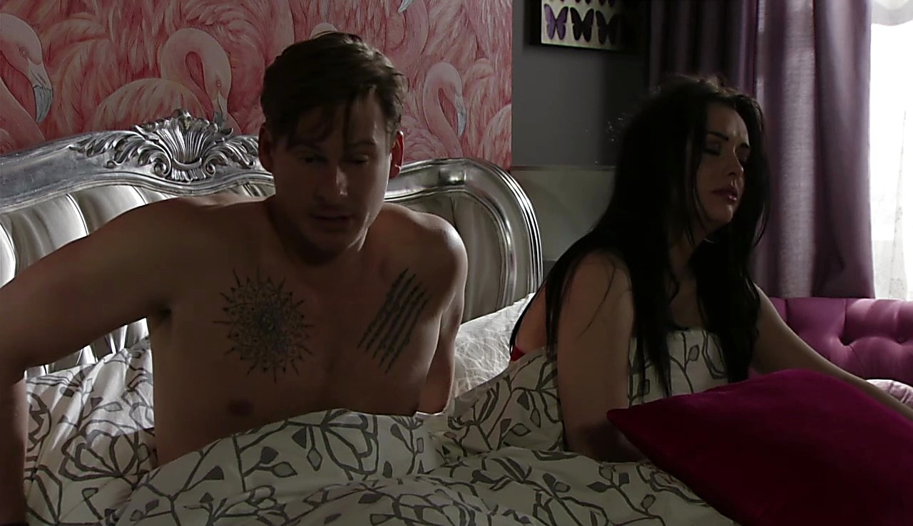 Lee Ryan latest sexy shirtless scene May 20, 2017, 3pm