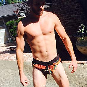 Liam Hemsworth latest sexy shirtless July 10, 2017, 1am
