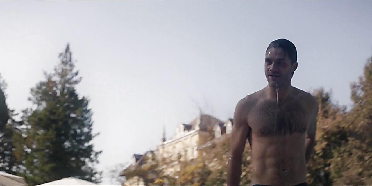 Lorenzo Richelmy sexy shirtless scene June 1, 2019, 2pm