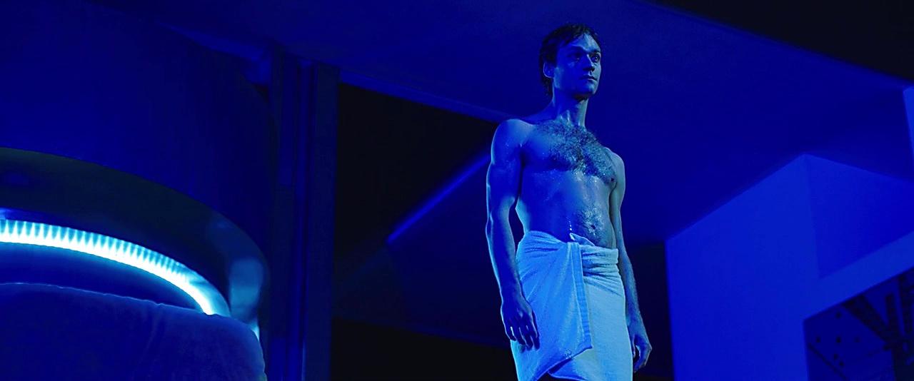 Lorenzo Richelmy sexy shirtless scene July 18, 2019, 11am