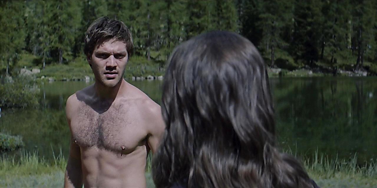 Lorenzo Richelmy sexy shirtless scene June 23, 2019, 1pm
